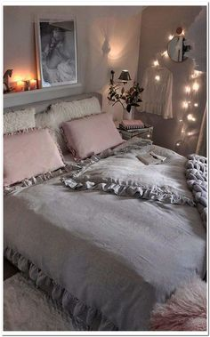 35 Warm and Romantic Bedroom Decoration These trendy Bedroom ideas would gain you amazing compliments. Check out our gallery for more ideas these are trendy this year. Romantic Bedroom Decor, Trendy Bedroom, Bedroom Ideas, Glam Bedroom, Design Bedroom, Bedroom Inspiration, Master Bedroom, Beautiful Interior Design, Beautiful Interiors
