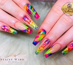 using Glitterbels colour powder in:- baby powder, raindrop. Core powders :- Glass Slippers and snowdrops white Colored Acrylic Nails, Summer Acrylic Nails, Best Acrylic Nails, Fancy Nails, Bling Nails, Jolie Nail Art, Nagellack Design, Gel Nagel Design, Nagel Bling