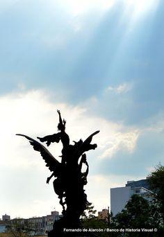Hacia el cielo... / Up...