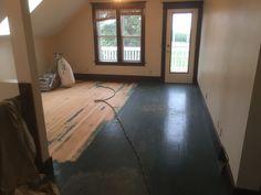 Hardwood Floors, Flooring, Old Farm Houses, Tile Floor, Farmhouse, Fur, Wood Floor Tiles, Old Farmhouses, Rural House