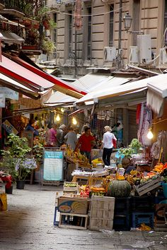 Outdoor market in Palermo Sicily. I so long for a big farmer's market where we can spend half the day or more exploring all the goodies. The post Outdoor market in Palermo Sicily. I so long for a big farmer's market where appeared first on street. The Places Youll Go, Places To See, Beautiful World, Beautiful Places, La Trattoria, Palermo Sicily, Sicily Italy, Amalfi, Dream Vacations