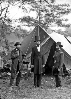 Battle of Antietam Lincoln Pinkerton McClernand Sharpsburg Civil War Photo American Revolutionary War, American Civil War, American History, Abraham Lincoln Pictures, Maryland, Battle Of Antietam, Civil War Art, Major General, Civil War Photos