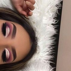 Idée Maquillage 2018 / 2019 : The search for the best eye shadow is over; these long-lasting eye makeup winner - Idée Maquillage 2018 / 2019 : The search for the best eye shadow is over; these long-lasting eye makeup winner - Eye Makeup Cut Crease, Dramatic Eye Makeup, Makeup Eye Looks, Eye Makeup Tips, Smokey Eye Makeup, Eyeshadow Makeup, Makeup Ideas, Makeup Brushes, Eyeshadow Palette
