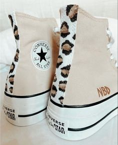 Dr Shoes, Hype Shoes, Me Too Shoes, Mode Converse, Converse Shoes, Converse High, Sneakers Fashion, Fashion Shoes, Aesthetic Shoes