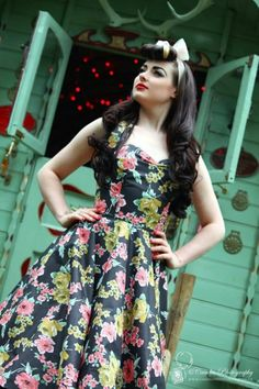 We love this Rockabilly Vintage Retro dress with a sweet heart neckline!