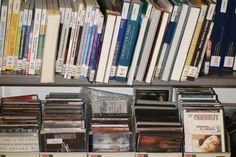 Música y cine Portugal, Bookcase, Initials, Writers, Movies, Book Stands, Shell