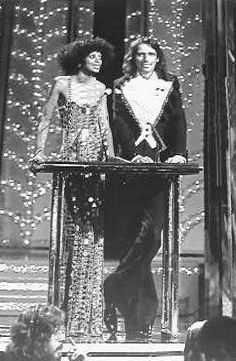 Diana Ross Alice Cooper mid 70s award show - omg, I remember watching this one!