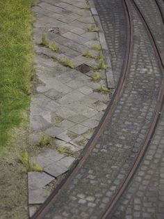 Exercise module: Plettenberg narrow-gauge light railroad... nicely done pavement carved stones.