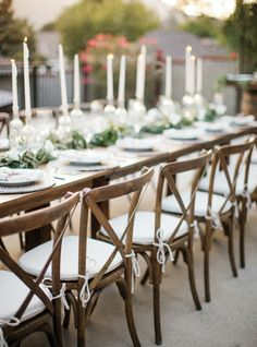 complement-the-rustic-wooden-furniture