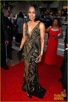 The gorgeous Angela Bassett - love this black and gold. One of my fitness inspirations. NAACP Image Awards 2015