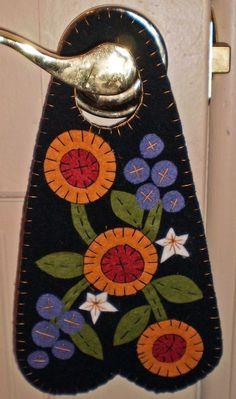PENNY RUG DOOR HANGER Flowers and Stars INSTANT DOWNLOAD E PATTERN