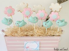 Bubble and Sweet: Cute bird cake pops.  Use hearts for beak!