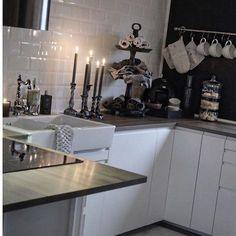 Kitchen Villa, Sweet Girls, Kitchen Cabinets, Rustic, Norway, Kitchen Ideas, House, Furniture, Home Decor