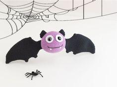 Amigurumi Bat - FREE Crochet Pattern / Tutorial in English here: http://mygurumi.blogspot.se/2012/10/berti-bat-pattern.html