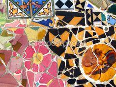 Gaudi mosaicos in Barcelona -España. ---- Arq. Antoni Gaudí (25 de junio 1852, Reus -10 de junio 1926, Barcelona) España.