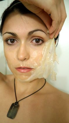 Gelatin face mask with milk honey and tea tree oil