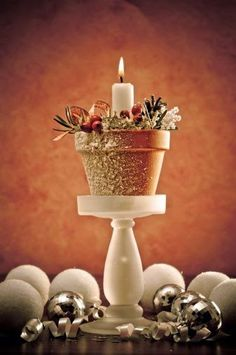 Christmas Special: Christmas Candle Crafts For DIY Decor at Ideal Home Garden Diy Christmas Decorations Easy, Holiday Crafts, All Things Christmas, Christmas Holidays, Deco Champetre, Candle Craft, Clay Pot Crafts, Christmas Candles, Christmas Ornaments