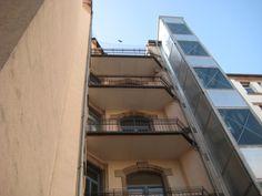 Balkon vor Taubenanflug per Netz geschützt