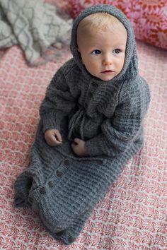 Knitting Patterns Sleeping Bag Baby Pajamas – See knitting instructions: Kotiliesi. Knitting Patterns, Crochet Patterns, Knitting Ideas, Sleeping Bag, Children, Kids, Free Pattern, Pajamas, Crafty