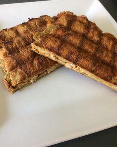 Magyaros szendvics Bacon, Breakfast, Food, Morning Coffee, Essen, Meals, Yemek, Pork Belly, Eten
