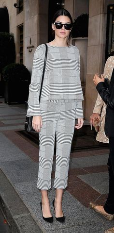 Kendall Jenner from Stars at Paris Fashion Week Spring 2015 Fashion Week Paris, Teen Fashion, Fashion Outfits, Fashion Trends, Kendall Jenner Estilo, Jenner Style, Street Style Women, Celebrity Style, Ideias Fashion