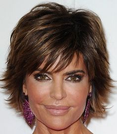 Lisa Rinna Layered Razor Cut - Layered Razor Cut Lookbook - StyleBistro