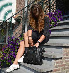 Ring Ring in my Chalrose Bag #chalrose #handbag #clickbag #fringes #findmyiphone #multifunctional #bag #instastyle #instafashion #fashion