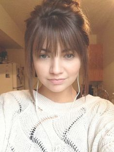 If you want a natural new medium hair cuts with bangs from summer to fall, why not try these medium hair cuts with bangs hair styles or colors? There are a ton of options for you to choose. Medium Hair Cuts, Medium Hair Styles, Curly Hair Styles, Hair Fringe Styles, Brown Hair Bangs, Bangs Short Hair, Brown Hair With Fringe, Bangs Medium Hair, Hair Cuts For Long Hair With Bangs