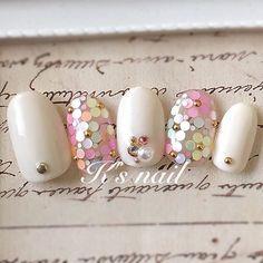 見るたびにうっとり♡ホログラムで作るフラワーネイル6選 | myreco(マイリコ) Pearl Earrings, Nail Art, Pearls, Flower, Jewelry, Art, Pearl Studs, Jewels, Schmuck