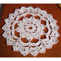 Rosette Doily (doily patterns) - links to others as well Free Crochet Doily Patterns, Crochet Snowflake Pattern, Mug Rug Patterns, Crochet Stars, Crochet Quilt, Thread Crochet, Crochet Motif, Crochet Doilies, Knit Crochet