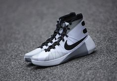 The Newest Hyperdunk Resembles The Nike Mag - SneakerNews.com