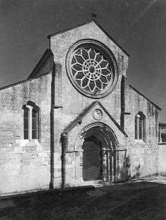 Igreja de Santa Maria dos Olivais, Tomar, Portugal by Biblioteca de Arte-Fundação Calouste Gulbenkian, via Flickr