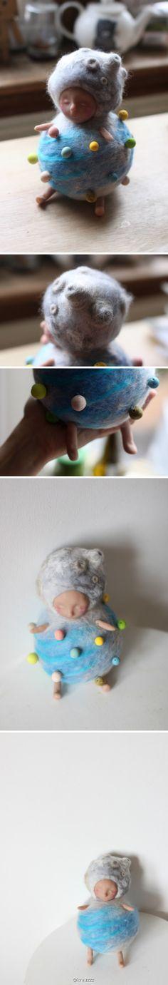 羊毛毡加软陶,来自一位名叫KREUZZZ的艺术家,之前little thing也采访过她,好像是个在英国读书的中国女生