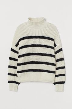 Pop on this striped sweater with a pair of colored trousers for a sleek statement. The turtleneck will be extra cozy on breezy fall days. #fallfashion #falloutfits #fallsweaters #cutesweaters #southernliving Sweater Shop, Men Sweater, Studded Sweater, Paris Outfits, Fashion Outfits, Polo Neck, H&m Online, Fashion Company, Neue Trends