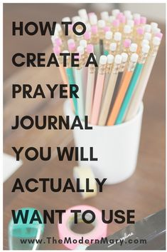 How to create a prayer journal that you will actually want to use. Daily Bible study and devotionals. Bible study tips for women, teens, and kids. Bible study guide and topics. Bible study methods, worksheets, and free printables. Catholic Bible, Bible Study Tips, Prayer Times, Bible Encouragement, Journal Aesthetic, Bible Prayers, Tips & Tricks, Prayer Board, Prayer Journals