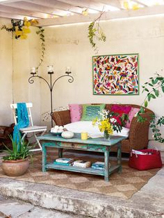 Small house http://casadiez.elle.es/decoracion-casas/pequenas-pocos-metros/casa-pequena6