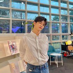 Korean Drama Quotes, Park Bo Young, Seo In Guk, Asian Hotties, Kdrama Actors, Drama Korea, K Idol, Handsome Boys, Korean Actors