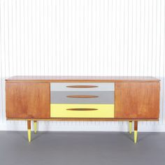 Easton | Sideboard | Xylo