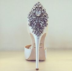 Love this heels...#heels#shoes#bling#