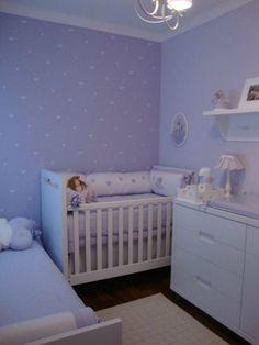 QUARTO DE BEBE LILÁS: FOTOS E IDEIAS DE DECORAÇÃO Baby Bedroom, Baby Room Decor, Nursery Room, Kids Bedroom, Baby And Toddler Shared Room, Parents Room, Baby Room Design, Baby Bedding Sets, Baby Cribs
