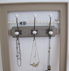 Cadres on pinterest porte bijoux mini albums and noel - Porte bijoux mural a faire soi meme ...