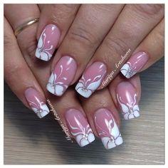 Flowers on punk background French Nail Designs, Diy Nail Designs, Pretty Nail Art, Beautiful Nail Art, Lynn Nails, Diamond Nail Art, New Nail Art Design, Fingernail Designs, Finger Nail Art
