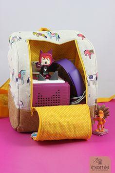 Einen Kinder-Rucksack für die Toniebox nähen? KlapPack! (Nähanleitung und Schnittmuster von shesmile) Mit genügend Platz für die Box, Kopfhörer und Lieblings-Tonies. Ideal für Unterwegs.