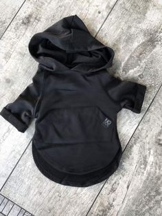 Black Hooded T-Shirt - The most beautiful children's fashion products Little Kid Fashion, Baby Boy Fashion, Fashion Kids, Toddler Fashion, Toddler Outfits, Baby Boy Outfits, Kids Outfits, Fashion Clothes, Fashion Wear
