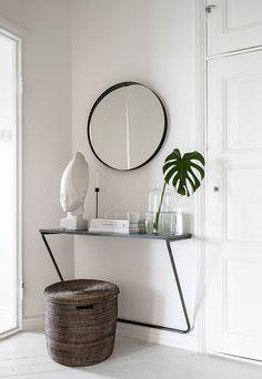 Unique Tricks: Rustic Minimalist Home Fireplaces vintage minimalist decor ceilings. Minimalist Furniture, Minimalist Interior, Minimalist Bedroom, Minimalist Decor, Minimalist Wardrobe, Bedroom Modern, White Bedroom, Minimalist Makeup, Bedroom Neutral