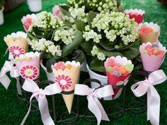 Sua Festa Personalizada ,Mercadinho Das Flores.  * Para personalizar entre em contato com a Papermint.    papermint@papermint.com.br