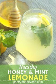 Easy Lemonade Recipe, Healthy Lemonade, Honey Lemonade, Flavored Lemonade, Homemade Lemonade Recipes, Healthy Drinks, Yummy Recipes, Mint Recipes, Honey Recipes