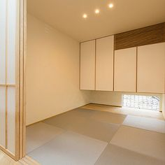 4LDKで、家族の、部屋全体/北欧/インテリア/新築/和室/LDKについてのインテリア実例。 「綺麗な時の和室...」 (2017-11-30 22:23:47に共有されました) Japanese Modern, Japanese Interior, Japanese Architecture, My House, Tile Floor, Room, Furniture, Simple, Japan Style