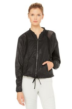 <p>Amazingly lightweight yet sturdy.The Sunset Jacket's mesh blocking lets you cover up without overheating. The fashion-forward boxy cut, dropped armholes and drawstring allow it to fit over layers of all shapes</p>