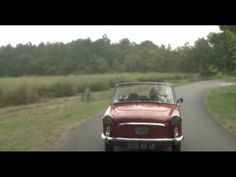 <3 LOVE THE SONG <3 THE VIDEO <3 THE CAR <3 THE DOGS.. I miss my friend glen singing this song....
